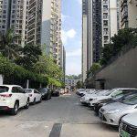 龙军花园 — 停车场图片